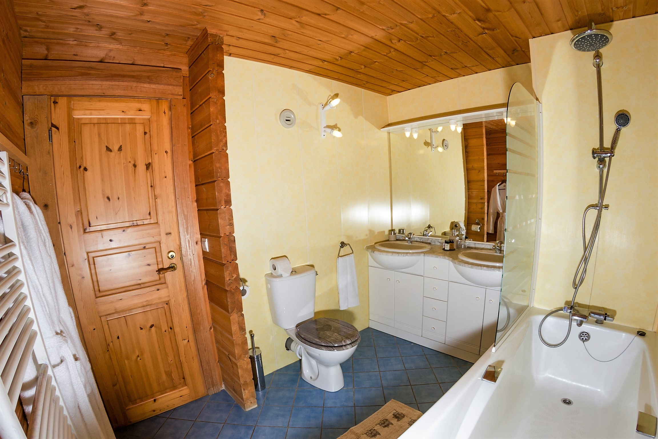 Vanoise Suite Bathroom
